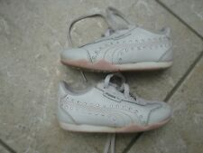 Puma Halbschuhe Mädchen Gr. 23,UK 6 ,weiß,Schuhe,Sneakers,Schnürschuhe,Glitzer