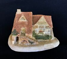 David Winter ~ DOVE COTTAGE WITH PLAQUE ~ ISSUED 1980 ~ RARE AND  HARD TO FIND
