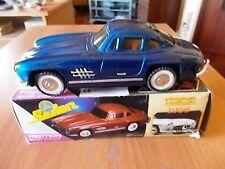 Sedan Benz MERCEDES 300 SL Ali di Gabbiano - colore blu - scala 1:18 - anni '80
