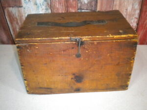 Vintage Rustic Wooden Crate Box With Hinged Lid and Latch Primitive