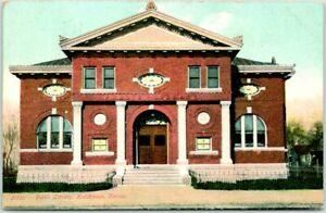 Hutchinson, Kansas Postcard PUBLIC LIBRARY Building / Street View - 1908 Cancel