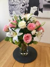 ARTIFICIAL FLOWERS ARRANGEMENT PINK ROSE LILY & HOPS BOUQUET IN VASE WITH WATER