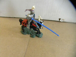 Britains Toys UK Swoppet 15th Century Knight charging lancer War of the Roses mf