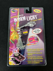 Super White Worm Light With Pass-thru Nintendo Game Boy Color & Pocket Clear