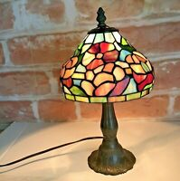 Vtg Tiffany Style Stained Leaded Glass Floral Table Night Stand  Lamp 14 in Tall