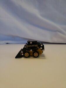 Ertl 1:64 New Holland L665 Skid Steer