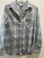 Women's Old Navy Flannel Shirt Button Down Plaid Gray Classic Shirt Sz Small S