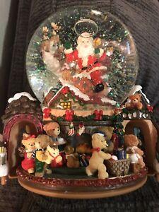 Kirkland Signature Musical Water Snow Globe Revolving Scene Christmas