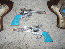 1950'S KILGORE MUSTANG DIE CAST CAP GUN & LEATHER HOLSTER SET