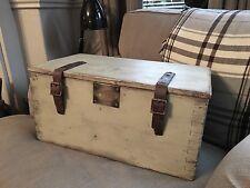 Vintage en bois Boîte à outils coffre coffre avec sangles en cuir