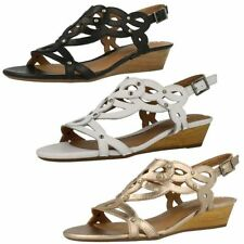 Clarks Women's Leather wedge Sandals & Beach Shoes