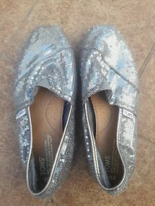 Toms Womens Size W9.5 Silver Sequins Flat Slip On Shoes