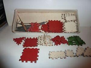 Ancien  jeu  de  construction  «Assemblo»  en  tôle