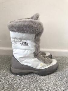 The North Face Snow Boots Size 4 White Fur Lined Walking Insulated Calf Boots