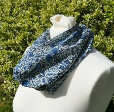 Cowl/Snood in Liberty tana lawn cotton Morris Lodden blue ivory