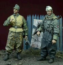 1:35 1/35 Resin WWII SS Foreign Volunteers 1943-45 Winter (2 figures) Model kit