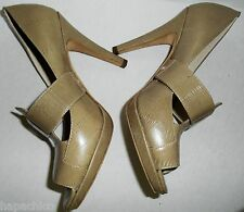 SAKS FIFTH AVENUE  Vintage Shoes Beige Nude 7 Leather HapaChico Haute Couture