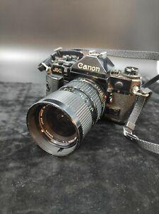 Canon A-1 mit Canon-Objektiv 35-70/4