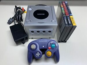 Nintendo GameCube Silver Console (DOL-001) w/ Cables Controller + Games NICE
