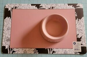 """Whisker City Brand: New """"Feed Me Meow"""" Pink Cat Food Bow & Floral Placemat Set"""