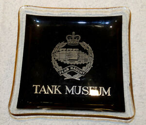 ASHTRAY COLLECTORS - GLASS ASHTRAY ROYAL ARMOURED REGIMENT TANK MUSEUM