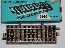 Märklin Modellbahnen der Spur H0 aus Pappe mit gerader Gleismaterialien
