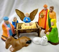 Christmas Nativity Set Vintage Creche 9 Hand painted Ceramic figurines w/ Manger