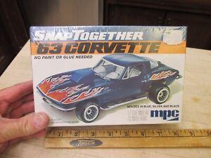 VINTAGE MPC 1963 CORVETTE NOS NEW IN BOX SEALED 1/32 MODEL CAR KIT