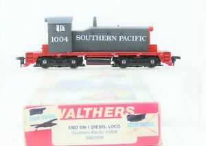 HO Scale Walthers 932-1358 SP Southern Pacific EMD SW1 Diesel Locomotive #1004