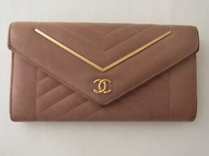 Auth WC08 CHANEL Chevron line flap wallet with serial seal V stitch from Japan