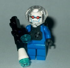 BATMAN #07 Lego Mr Freeze w/freeze gun custom 7783 Genuine Lego Parts 1st issue