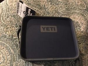Yeti Daytrip Navy Lunch Box (New)