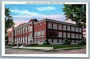 Postcard~ Grand Haven High School~ Grand Haven, Michigan~ c931