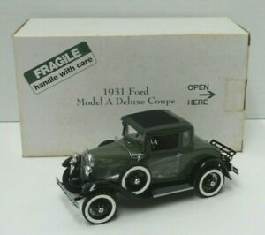 The Danbury Mint 1931 Ford Model A Deluxe Coupe 1:24 Die Cast in Box - A690
