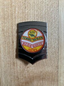 ARSENAL FC Terry Neils Red & White Army Vintage 1970s 80s insert Metal  Badge