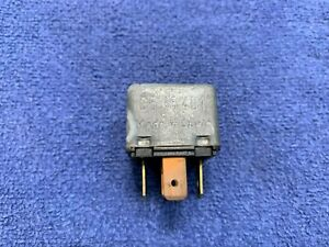 1985 - 1994 Classic Saab  900 Turbo Non-Turbo Bosch Fuel Pump & Injection Relay