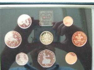 1983 ROYAL MINT PROOF SET  BLUE CASE WITH LEAFLET AND OUTER CARD BOX SOME TONING