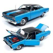 AUTOWORLD AMM1184 1969 PLYMOUTH ROAD RUNNER HARDTOP PETTY BLUE DIECAST CAR 1:18