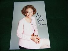 VINTAGE HAND SIGNED PHOTO HELEN GURLEY BROWN WRITER COSMOPOLITAN EDITOR INK