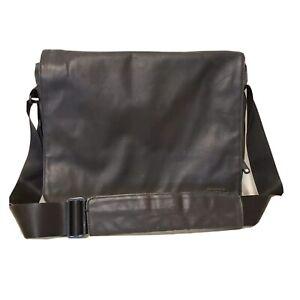 Incase Laptop Messenger Bag