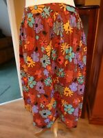 VINTAGE 1970'S HAND MADE FLORAL SKIRT SIZE 12/14 31W 27L LOVELY COLOURS