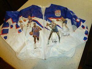 1992 OLYMPICS Basketball DREAM TEAM windbreaker...Adult Large (42-44)...