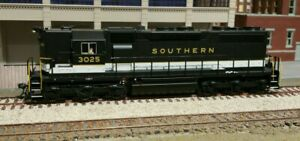 HO ATLAS SD35 SOUTHERN RAILWAY WITH FACTORY SOUND AND DCC KADEES ADDED