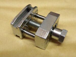 attrezzo smagliacatene ribattitore per catene di distribuzione passo 6,35mm