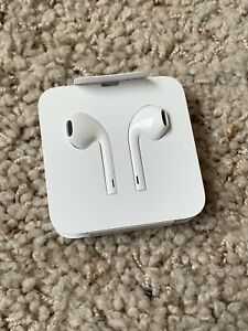 Apple EarPods With Lightning Connector Earphones Headphones for iPhone or iPad