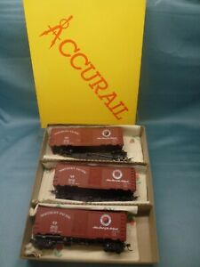 ACCURAIL 3307 'HO' 3 x 'NORTHERN PACIFIC' BOX CARS SET ~ BOXED