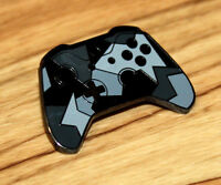 GAMESCOM 2018 Xbox One Controller Rare Pin Badge Abyss Black Forces E3 Promo