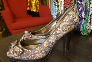 Size 10 Unlisted Brown Flowered Heel