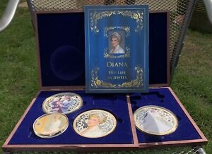 """7 x 4"""" Princess Diana Coins, Royal Wedding, Prince William With Cases"""