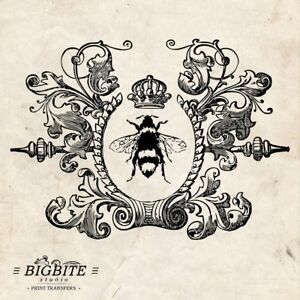 WATER DECAL: Vintage Queen Bee in Wreath graphic (Furniture Print Transfer) #002